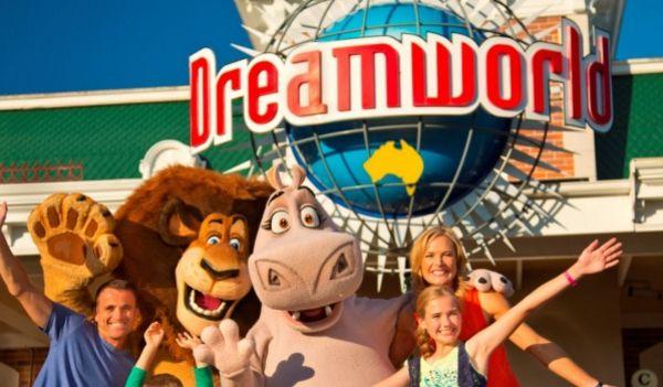 Sun shines on Gold Coast theme parks