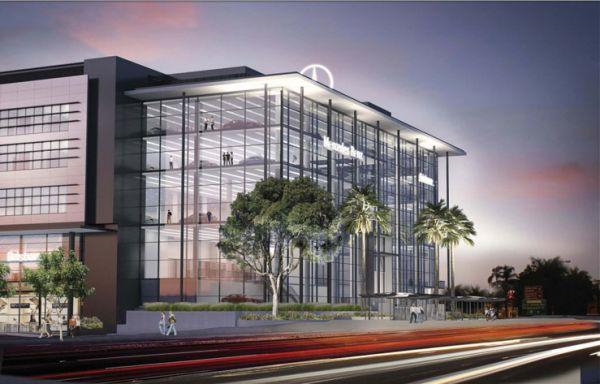 Businesses given notice as Mercedes Benz moves on Brisbane waterfront