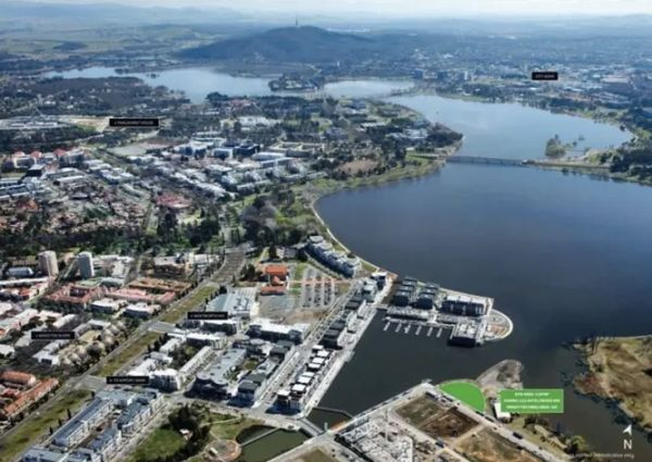 Astute buyers bring down Canberra's commercial auction clearance rates