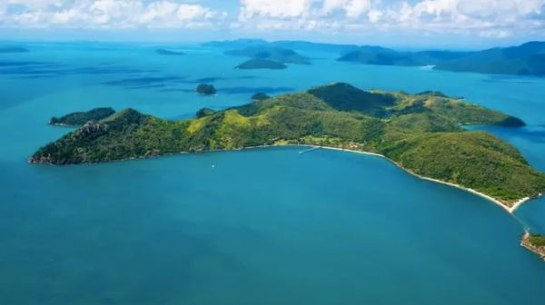 South Molle Island for sale: Developers and investors eye Whitsundays resort