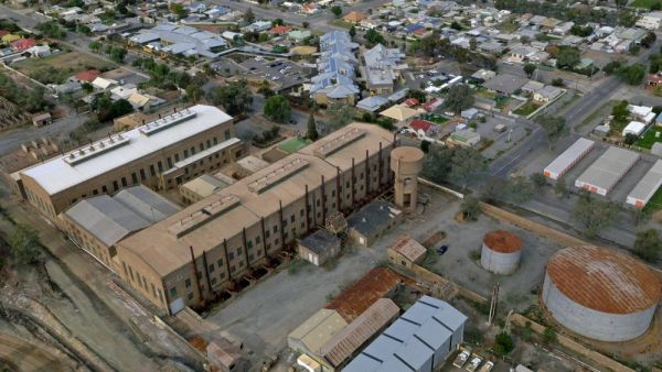 Meet the Broken Hill couple who collect old power stations