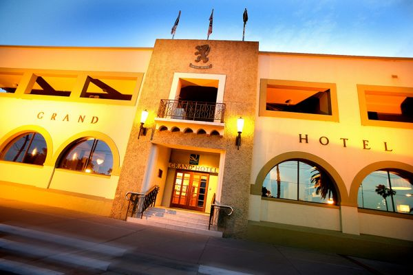 Iconic Mildura hotel up for sale