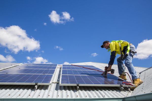 Online solar power calculator shows how homes and businesses can generate their own energy