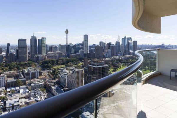 Apartment In Seidler S Horizon Building Darlinghurst Captures Dramatic Views