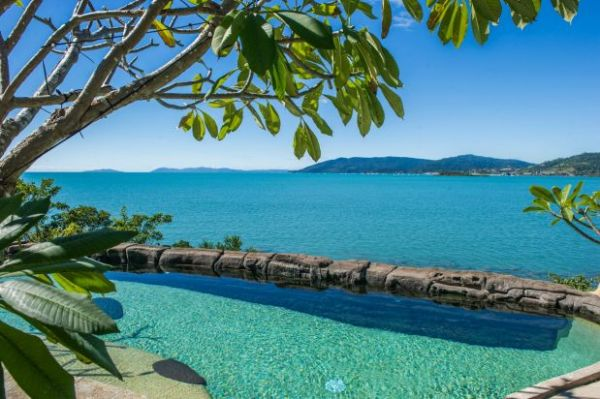 The Whitsundays are back': Airlie Beach estate sells for $7