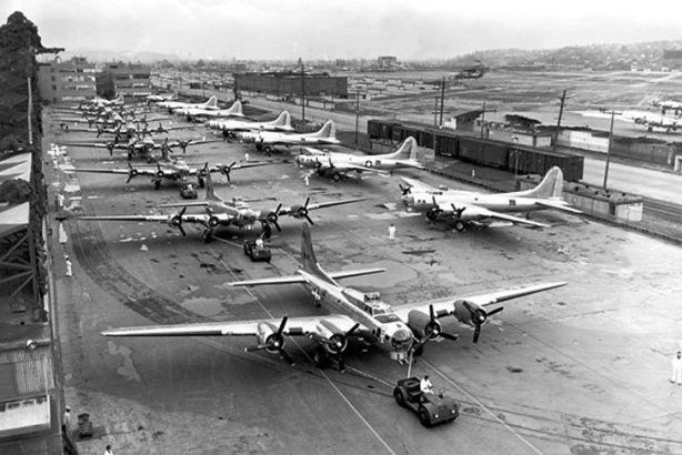 Plant 2 had a record day of B-17 production on April 30 1944. 16 were built in 24-hour period. Photo: Boeing Historical Archives.