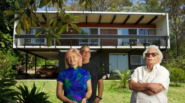 Beachcomber babies Sarah Keighery and Billy Gruner with architect, Nino Sydney outside their Faulconbridge home which Nino designed in 1961.