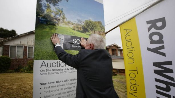 Despite agent commissions having been deregulated in Queensland, increases to selling costs have been minimal. Photo: Jessica Hromas