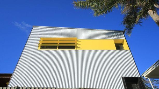 The corrugated-iron, steel-framed granny flat has a beachy vibe. Photo: Peter Hyatt.
