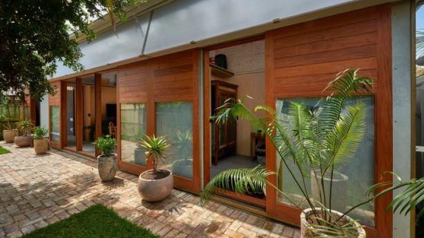 'Garden pavilion' in Narrabeen designed by Peter Stutchbury for Shona Veney Photo: Michael Nicholson