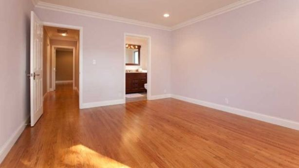 A room before virtual staging. Photo: Michael Asgian
