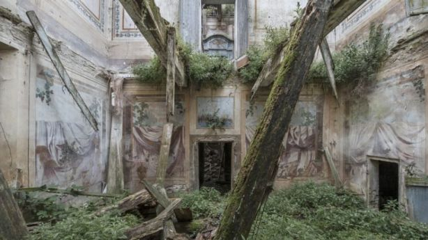This decaying villa in Italy has been reclaimed by nature. Photo: Mirna Pavlovic