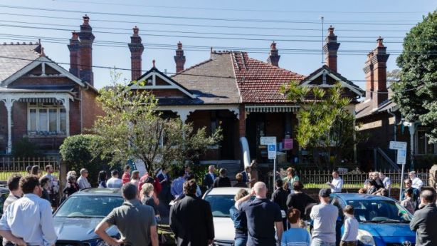 The crowd at 127 Annandale Street, Annandale. Photo: Brook Mitchell