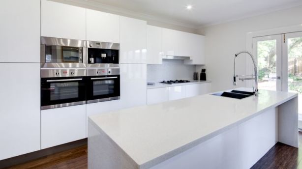 Once The No Brainer Design Choice The Days Of The All White Kitchen
