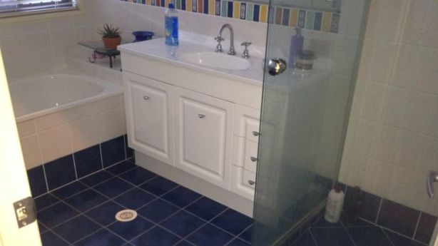 BEFORE: bathroom renovation. Photo: Jane Eyles-Bennett
