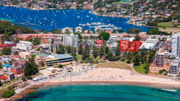 Four blocks of eight beachside apartments in Cronulla have been sold together for $54 million. Photo: AFR