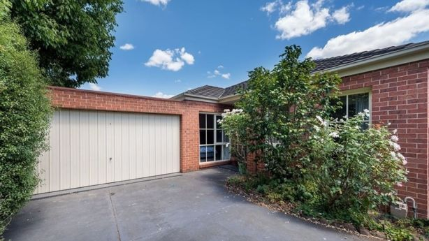 2/12A Lithgow Avenue, Blackburn, sold for $859,000. Photo: Woodards