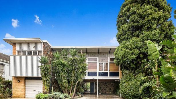 Architect Anatol Kagan's Lind House at 450 Dandenong Road in Caulfield North. Photo: supplied