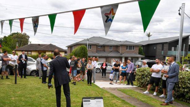 The auction drew in 19 registered bidders and a crowd of more than 70 people. Photo: Peter Rae.