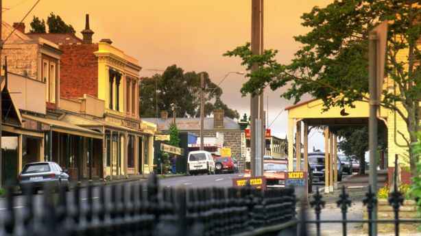 The historic Piper Street is the town's humming main drag. Photo: Tourism Victoria