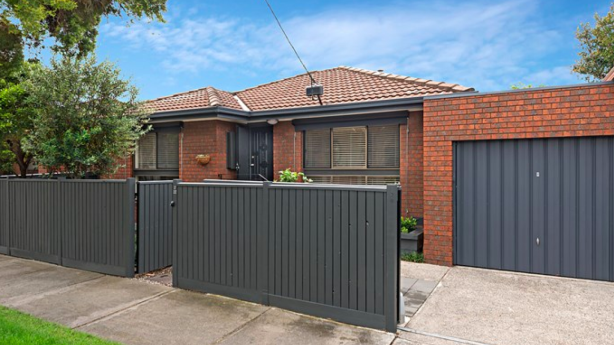 A villa unit at 2/22 Josephine Grove, Preston, attracted three bidders and also sold strongly for $690,000.
