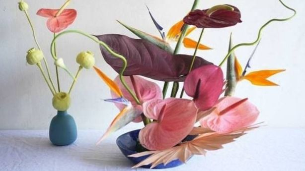 Strange pairings create a look that's strangely appealing in new floral trend, Freakebana. Photo: Instagram.com/Freakebana