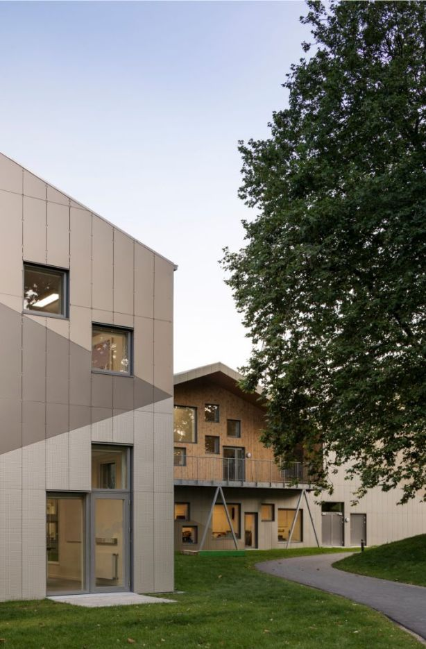The school accommodates for 650 students and100 children at the adjoining day-care centre. Photo: Adam Mørk