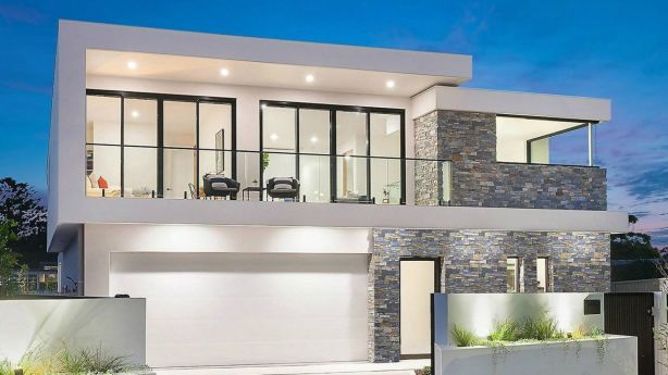 Bidding for the newly-built Greenhills Beach home failed to reach the $3.5 million reserve.