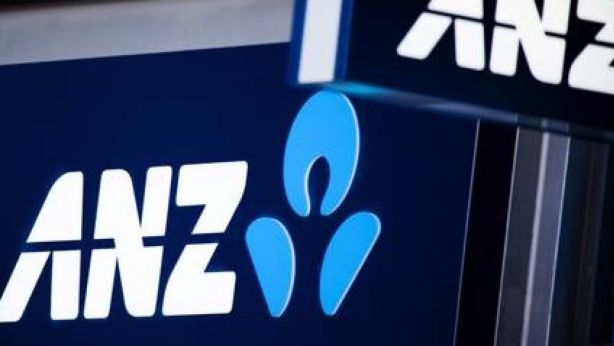 Analysts had predicted the big four banks would hike rates, but ANZ has gone the other way. Photo: Jessica Shapiro