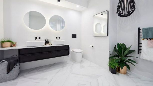 Bathroom luxury is a must when high end buyers are in mind. Photo: Channel Nine