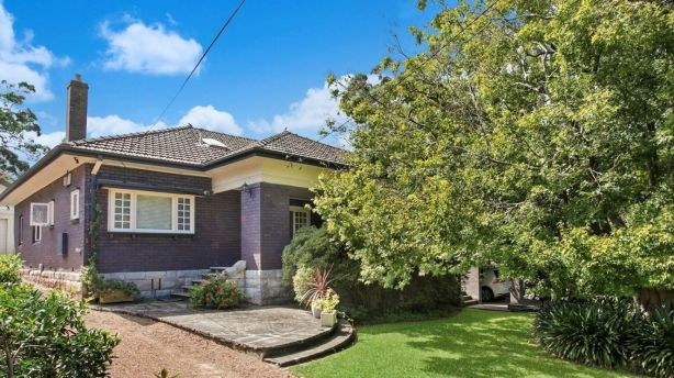 A house at  20 Lynwood Avenue, Killara sold for $3.42 million through Savills Lindfield.