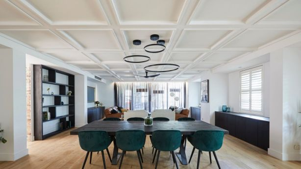 Kerrie and Spence's room with their talked about coffered ceiling. Photo: Channel Nine