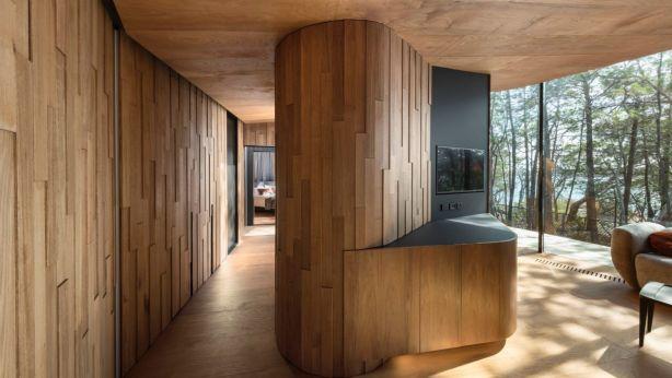 "Coastal Pavilions, Freycinet Lodge by€"" Liminal Studio. Photo: Dianna Snape"