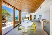 Wealthy make the move to beachside neighbourhoods
