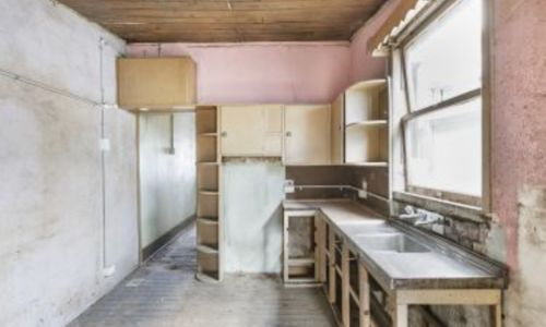 Bidding on a dump house? Here's what you need to know