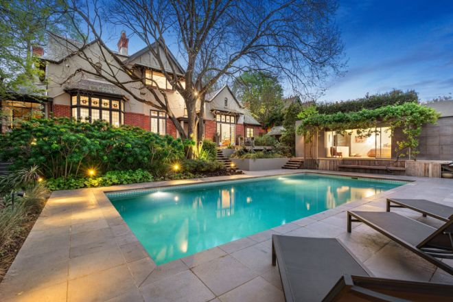 22 Chaucer Crescent, Canterbury VIC 3126