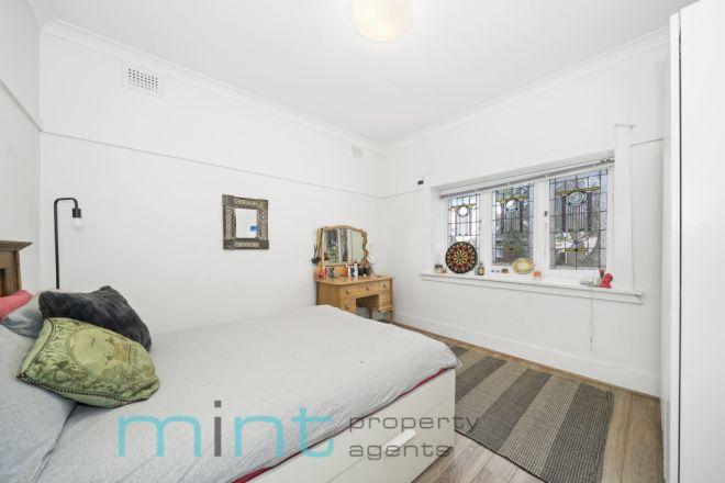 6 Malleny Street, Ashbury NSW 2193