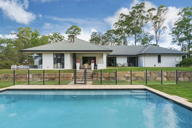 46 Bundaleer Street, Brookfield QLD 4069