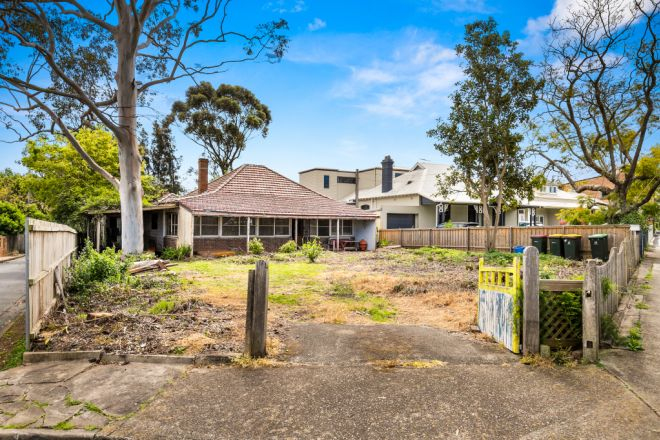 2 Tennyson Road, Concord NSW 2137