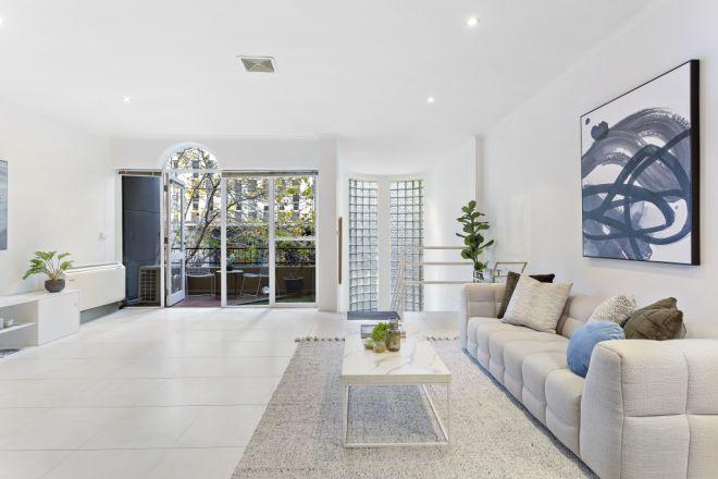 2/161 La Trobe Street, Melbourne VIC 3000