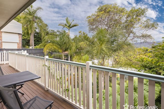 936 South Pine Road, Everton Hills QLD 4053