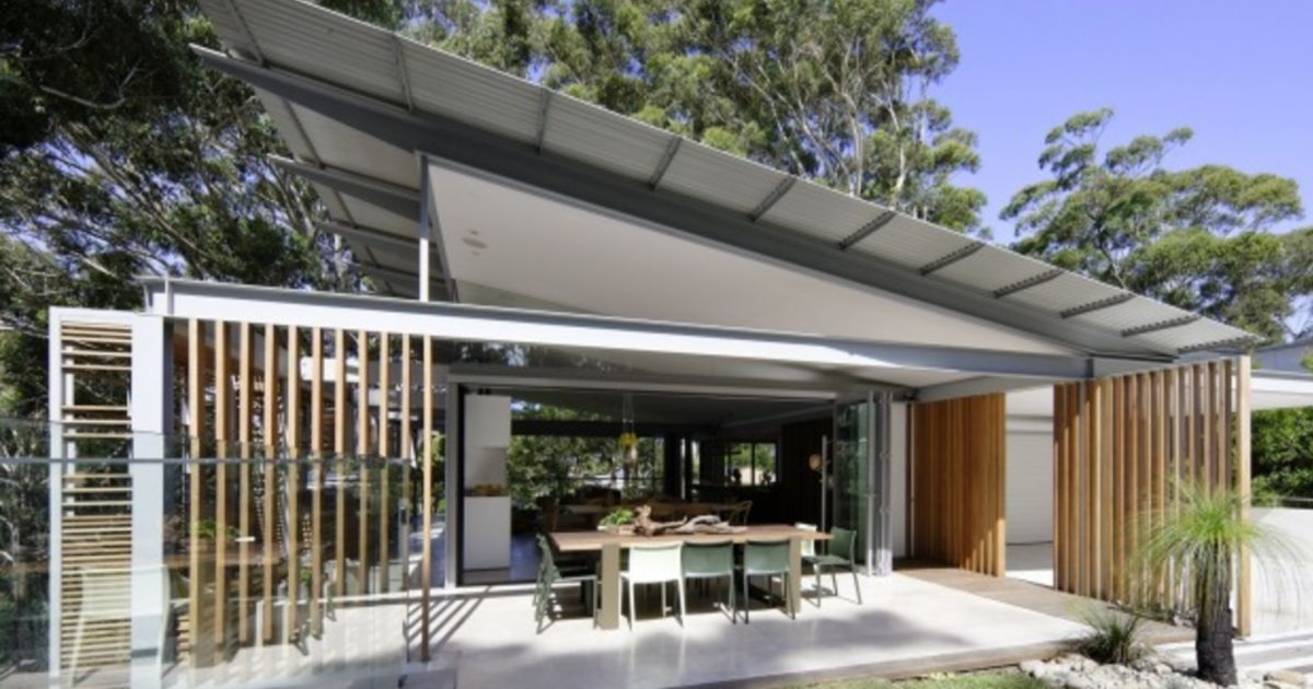 Design Trends Architecture Saville Isaacs Lifts Roof On Coastal Design