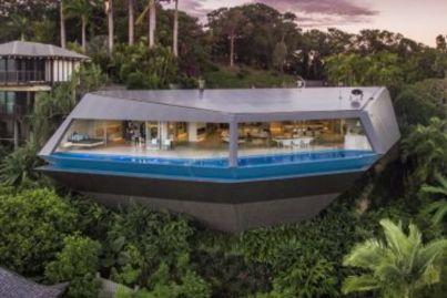 Mansion prices dive in Port Douglas