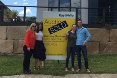 Family home sells for $900k at auction