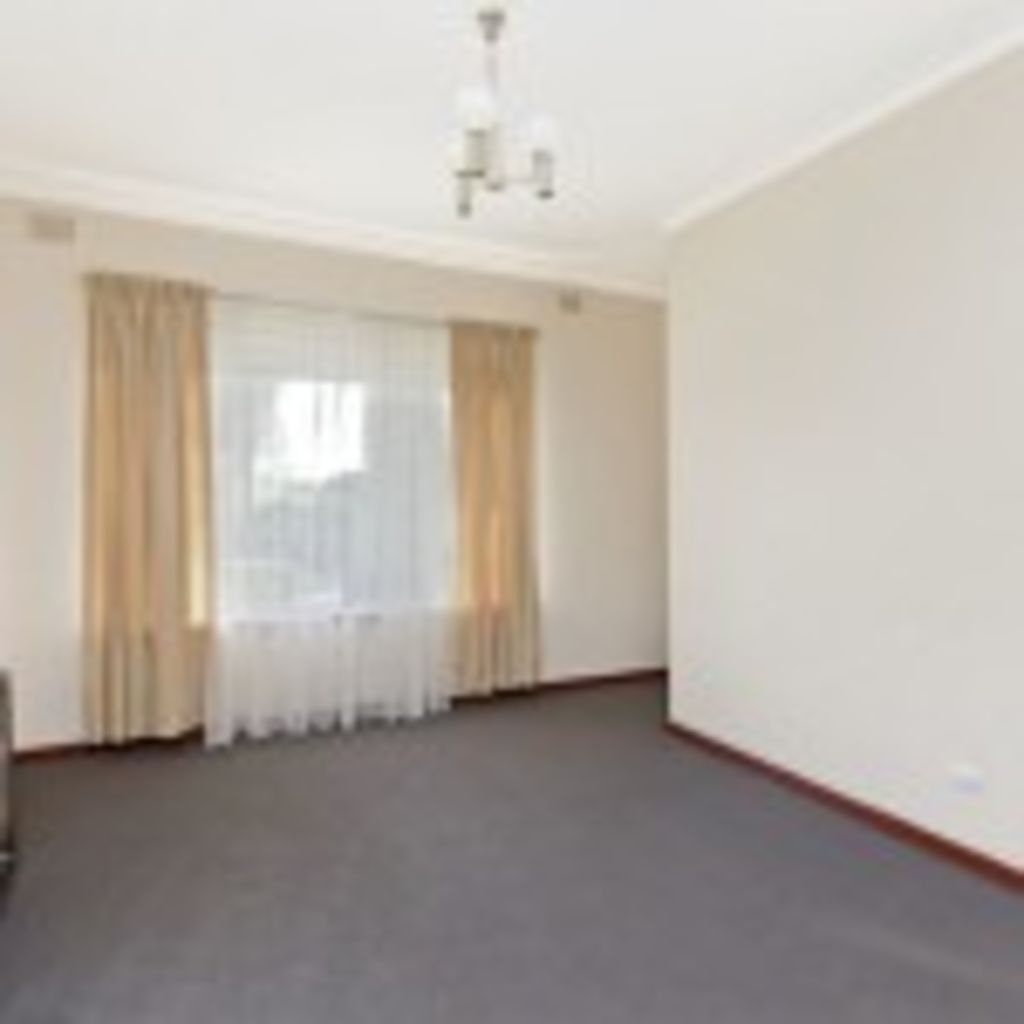 Lounge room - Before