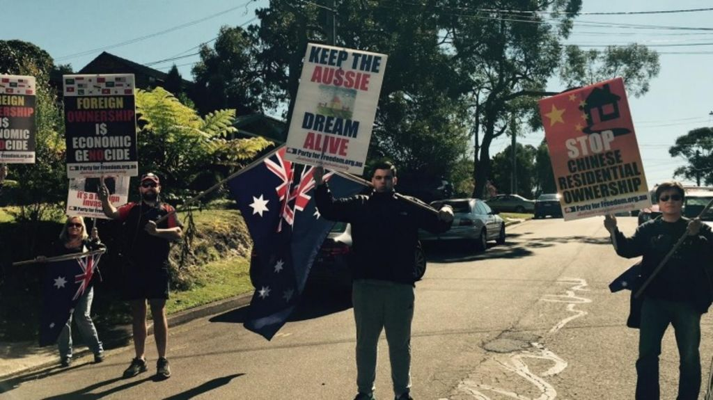 A small group of protesters turned up to the auction 17 Lobelia Street, Chatswood, on Saturday. Photo: Supplied