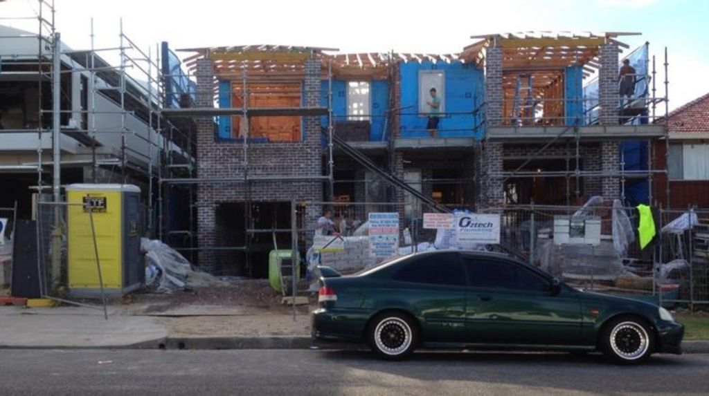 The construction of a dual-occupancy dwelling at 16 Rickard Street, Rodd Point, is under way. Photo: Supplied.