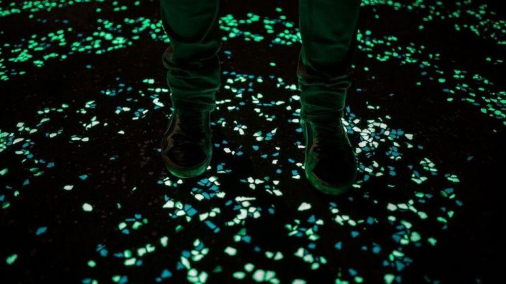 The cement can glow in green or blue. Photo: Investigación y Desarrollo