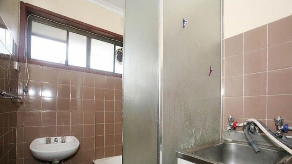 Bathroom before the reno job. Photo: Supplied