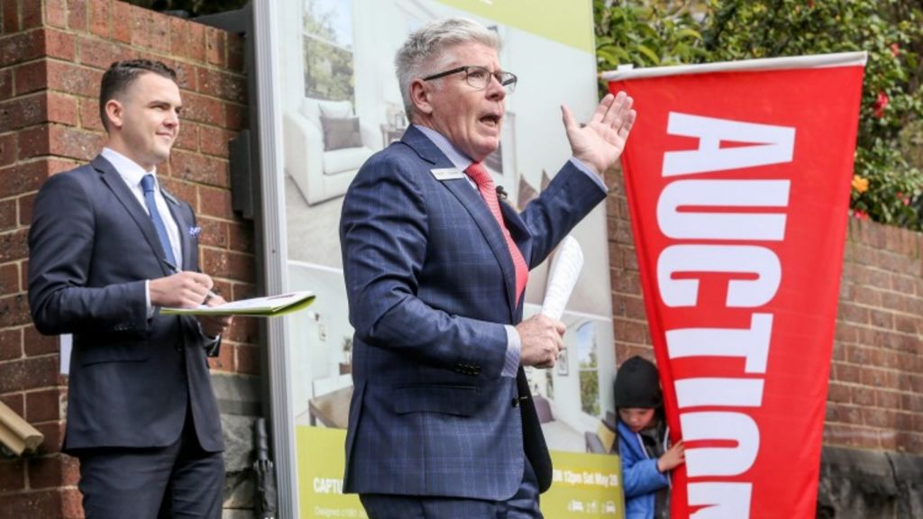 More than 1000 auctions will be held on Saturday as vendors race to beat the federal election and school holidays. Photo: Wayne Taylor